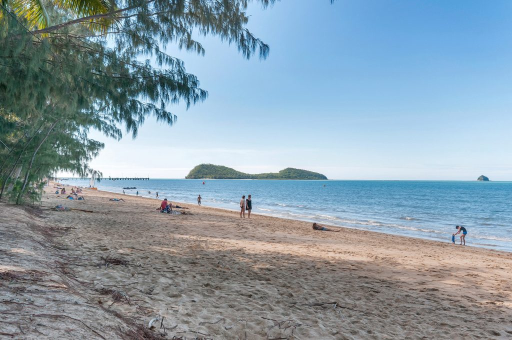 Palm Cove Holiday Unit beach