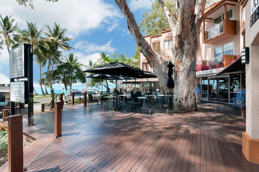 Palm Cove Holiday Unit Cafe