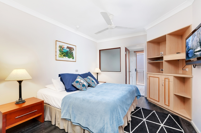 Palm Cove Holiday Unit bed 3
